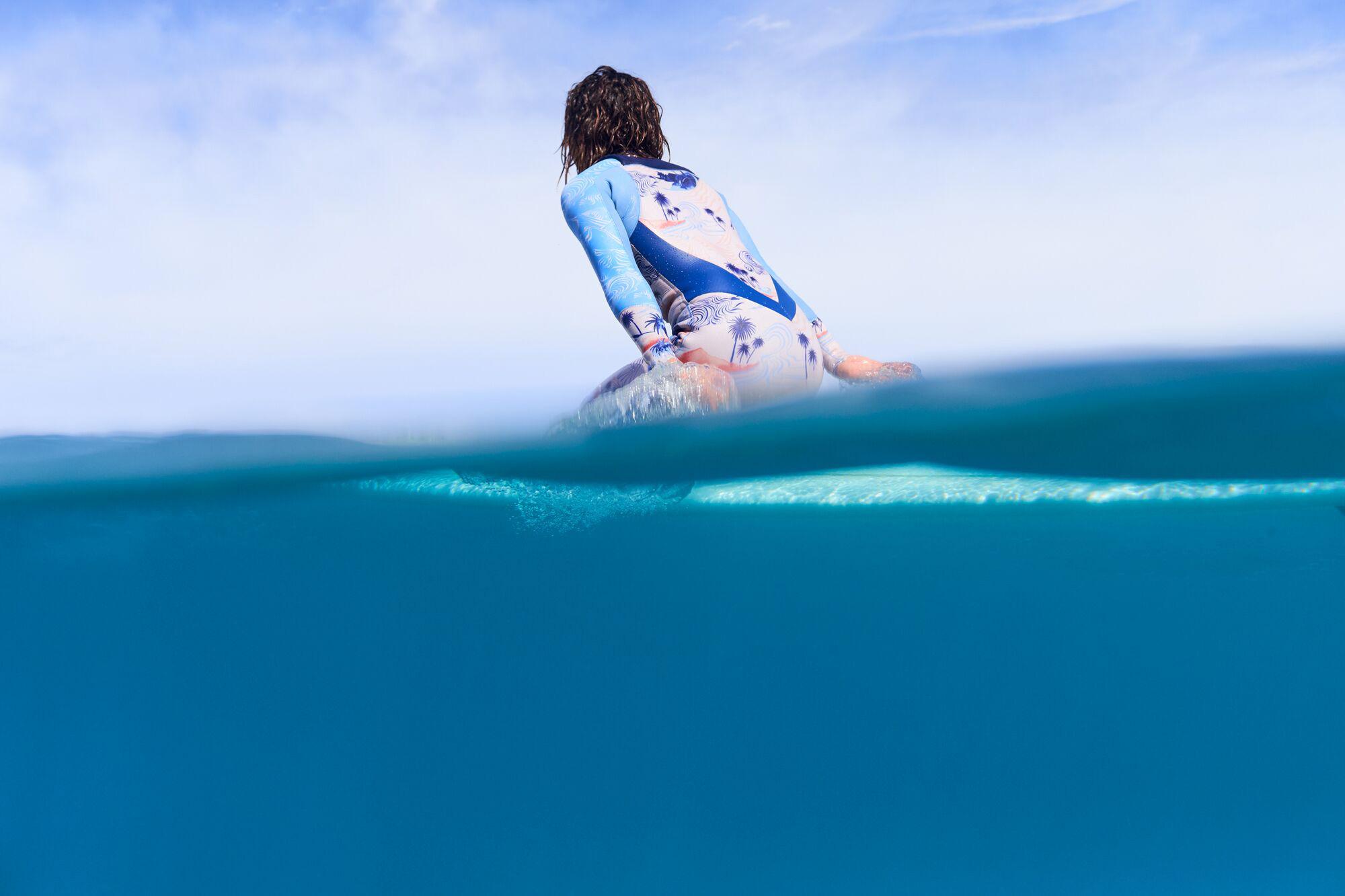 ROXYsurfergirl.jpg