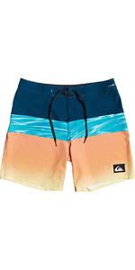 2020 Quiksilver Mens Highline Hold Down 18