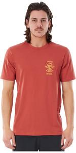 2021 Rip Curl Men Searchers Short Sleeve UV Tee WLY34M - Maroon