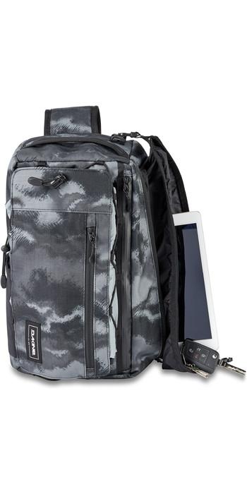 2020 Dakine Mission Surf Deluxe 15L Wet / Dry Sling Pack 10002837 - Dark Ashcroft Camo